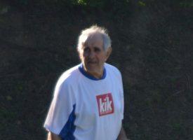 SA 72 GODINE NA LEĐIMA ZAIGRAO NOGOMET Ivan Bandur vjerojatno najstariji nogometaš na svijetu