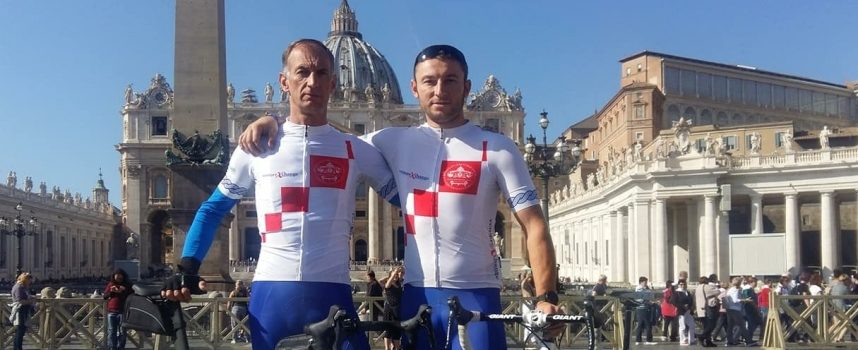 BICIKLIMA DO VATIKANA Bjelovarčani nakon devet dana vožnje susreli Papu