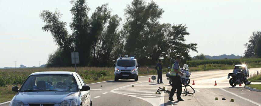 TEŠKA PROMETNA NESREĆA Motociklist se zaletio u pješaka, a zatim na njega naletio automobil