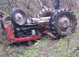 TRAGEDIJA Smrtno stradao prilikom prevrtanja traktora
