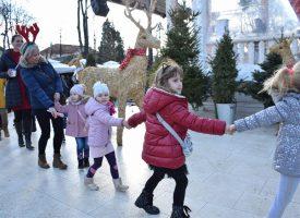FOTO – MALIŠANI SE ZABAVILI U SREDIŠNJEM PARKU Održan doček dječje Nove godine