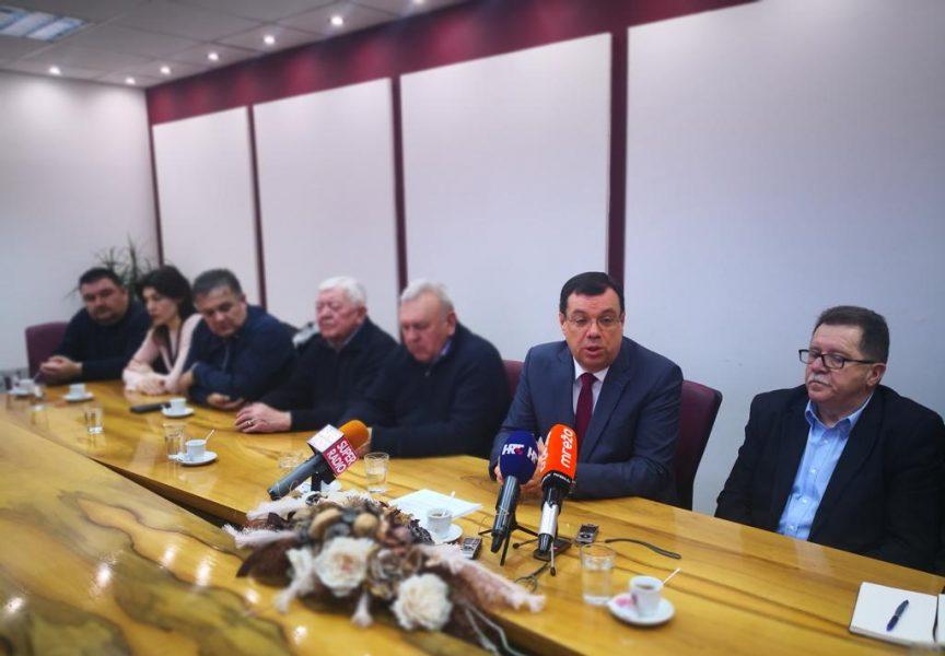 Župan Bajs: Žao nam je što nam je premijer ponudio pa uskratio mogućnost odabira