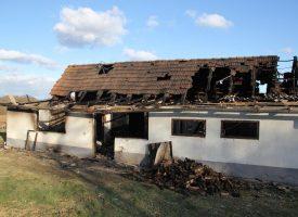 FOTO – VELIKA TRAGEDIJA Stevo Šipuljak – jutros sam se čuo s majkom, a onda sam dobio dojavu da kuća gori