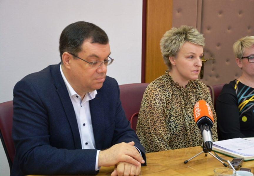 ŽUPANIJSKI KUTAK Županija je dugogodišnji pokrovitelj Dana hrvatskog pučkog teatra