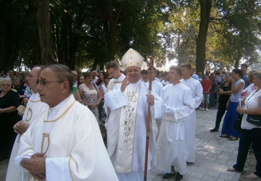 BJELOVARIJE Biskup ponovno za oltarom, akobogda i u čeki