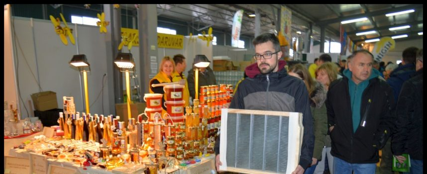 GUŽVA U GUDOVCU Brojni posjetitelji pohode Pčelarski sajam