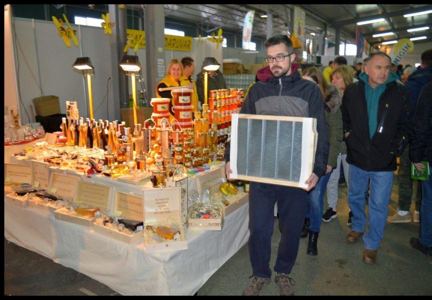 NAJSLAĐI  Bliži se 16. Međunarodni pčelarski sajam