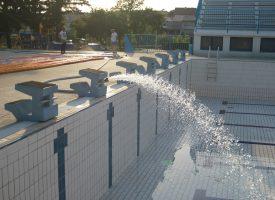 FOTO –SEZONA JE TU! Počelo punjenje velikog bazena. U petak otvorenje