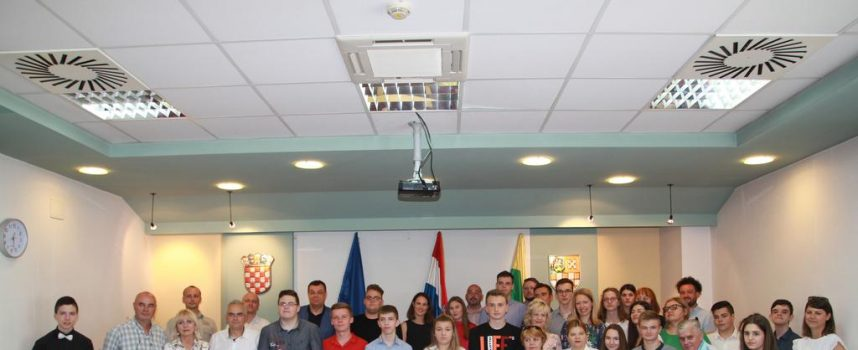 FOTO – Nagrađeni najbolji učenici Bjelovarsko – bilogorske županije