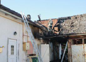 FOTO – Izgorjeli stanovi u centru Bjelovara