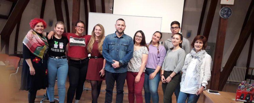 POKRENI PROMJENU Međunarodni projekt bjelovarskih gimnazijalaca