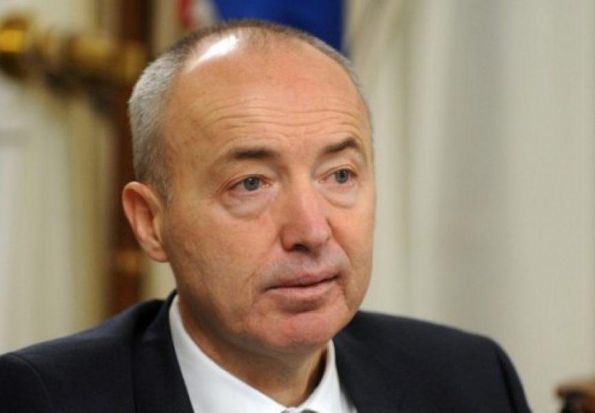 OSTAVKA ILI SMRT Ministru obrane putem e-maila prijetio smrću