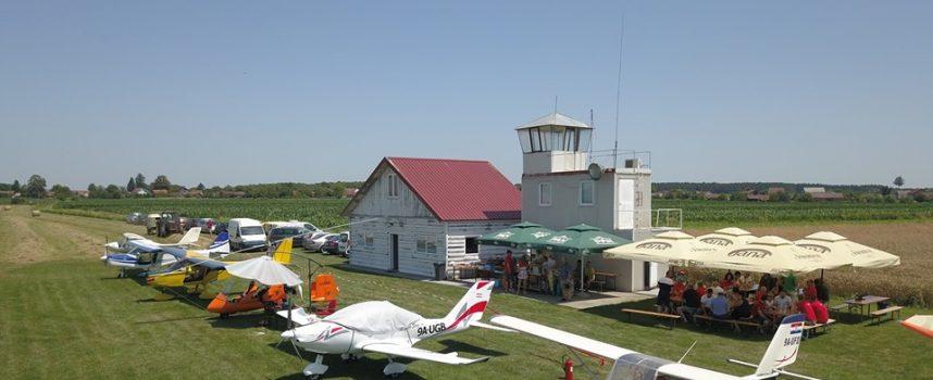 BREZOVAČKI AERODROM Nezaobilazna meka iz ptičje perspektive