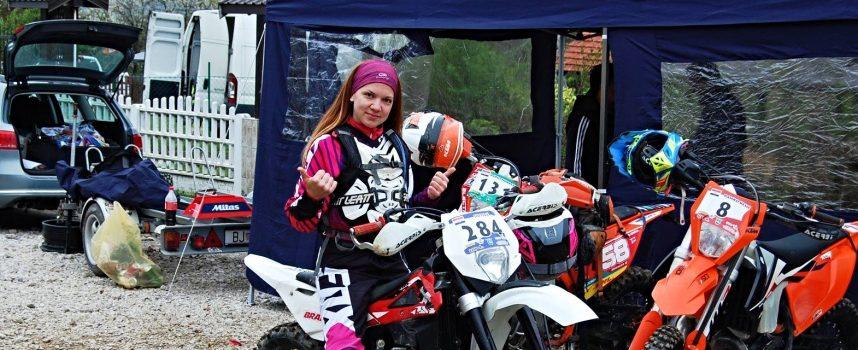 ZA NJU STRAH NE POSTOJI Ena Tudić je jedina djevojka koja se natječe u offroad motociklizmu