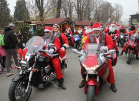 FOTO – Moto Mrazovi oduševili bjelovarske mališane na gradskom korzu