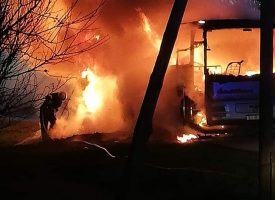 Zapalio se školski autobus