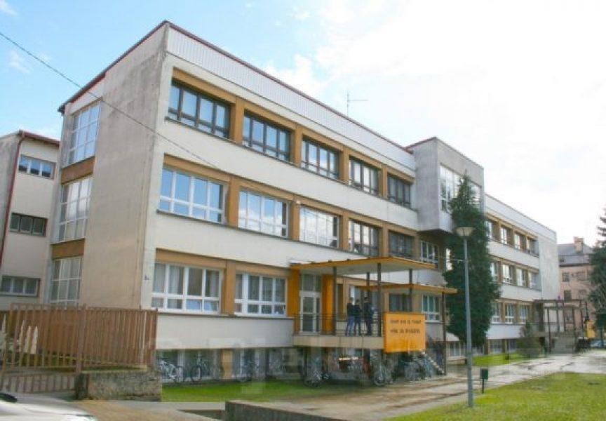 Učenica zadobila prijelom kralježnice na satu tjelesnog odgoja. Tehnička škola Bjelovar joj mora isplatiti pozamašnu svotu