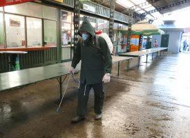 FOTO – Komunalac dodatno dezinficira tržnicu