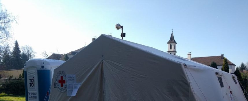 ALARMANTNO Ispred Opće bolnice Bjelovar postavljen šator