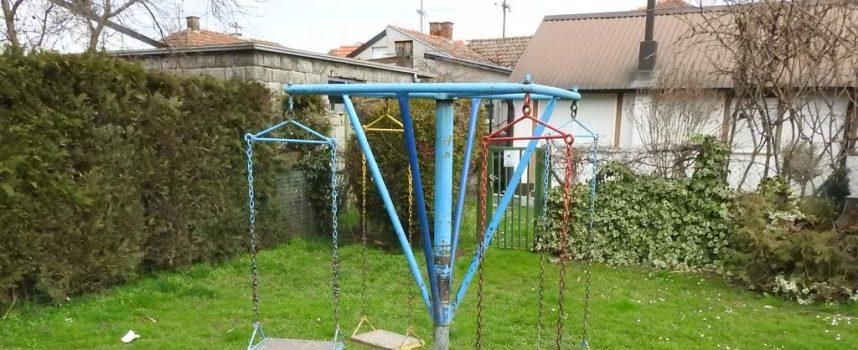FOTO – VINKOVIĆEVO NASELJE Nekada najljepši dio grada, danas naselje popucanih ulica i opasnih dječjih igrališta