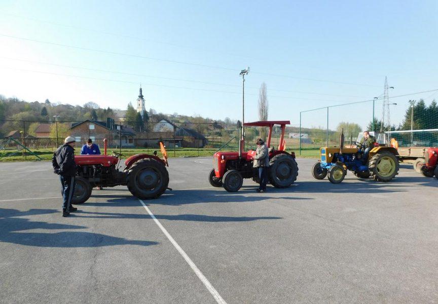 PROLJETNI RADOVI U V. Trojstvu poljoprivrednici pohrlili registrirati traktore