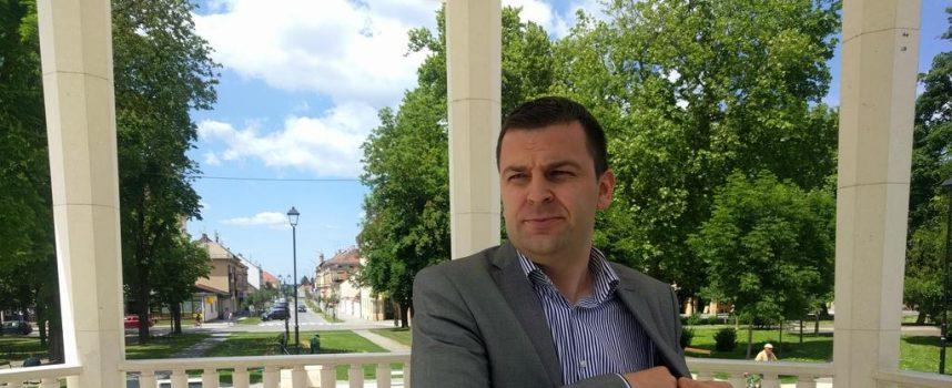 HREBAK – Rajko Ostojić nema pojma o politici