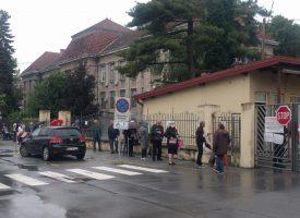 FOTO – Veliki red ispred bjelovarske bolnice