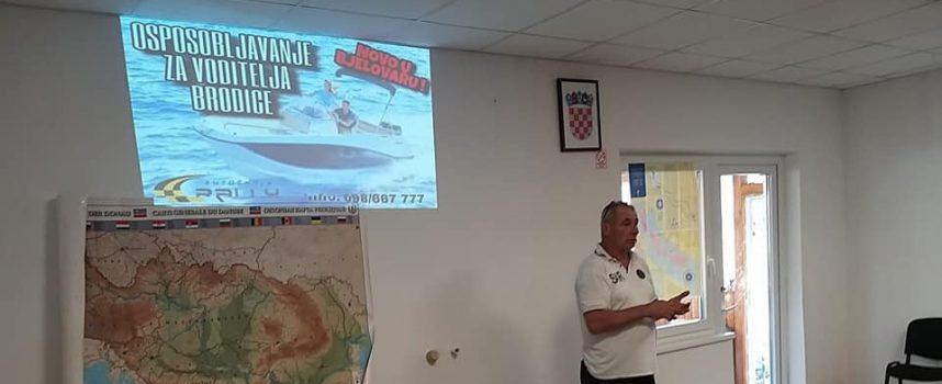 SIGURNA PLOVIDBA Bjelovarčani jedva dočekali tečaj za voditelja brodice