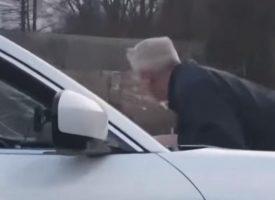 UŽAS Mladić na parkiralištu napao i ozlijedio 62-godišnjeg invalida