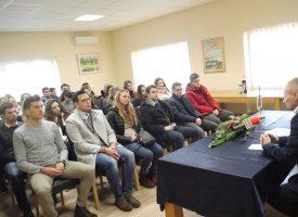 POHVALNO –  Općina Rovišće dodjeljuje studentima novčanu potporu