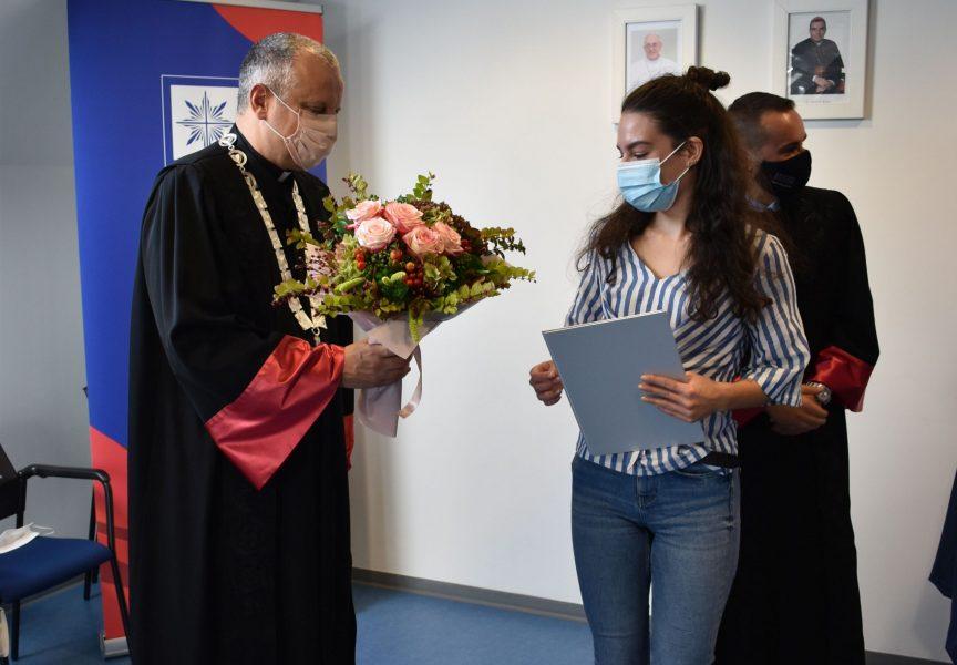 KULTURNI IDENTITET GRADA BJELOVARA Diplomski rad Bjelovarčanke Helene proglašen najboljim u akademskoj godini 2019/2020
