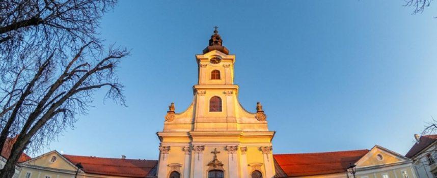 ZATVORENA GOTOVO GODINU DANA – Uskoro kreću veliki radovi u unutrašnjosti bjelovarske katedrale